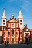Iglesia pública del monasterio de San Jorge del castillo de Praga, abadía de Svaty Jiri Imagen de archivo libre de regalías