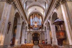 Iglesia París Francia de Louis En L'ile del santo del órgano de la basílica Fotos de archivo