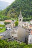 Iglesia parroquial de San Martín en Ormea, Italia Fotos de archivo
