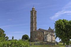 Iglesia parroquial de San Nicolao, Paroissiale de San Nicolao, Costa Verde, Córcega, Francia Fotos de archivo libres de regalías