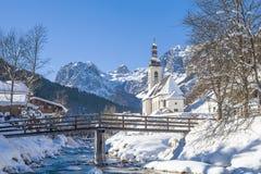 Iglesia parroquial San Sebastián, Ramsau, Berchtesgaden, Baviera, Alemania del sur Imagen de archivo libre de regalías