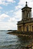 Iglesia por el agua Imagen de archivo