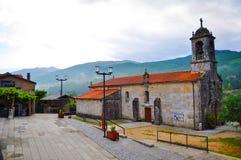 Iglesia reloj, torre Poggioreale arruina la puerta en balcón lisboa portugal foto de archivo