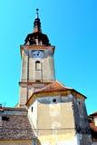 Iglesia sajona fortificada en el pueblo Sanpetru, Transilvania Fotografía de archivo