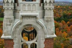 Iglesia santa de la colina en caída Fotos de archivo libres de regalías