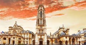 Iglesia Santo-Germán-l'Auxerrois cerca del Louvre. Fotografía de archivo libre de regalías