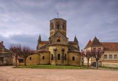 iglesia Semur-en-Brionnais en Francia Imagen de archivo