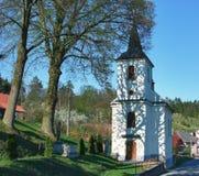 Iglesia vieja católica del pueblo Imagen de archivo libre de regalías
