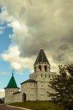 Iglesia vieja de la ciudad rusa antigua Fotografía de archivo libre de regalías