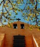 Iglesia vieja de Santa Fe, New México Fotos de archivo libres de regalías