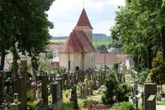 Iglesia vieja en el cemetry Fotografía de archivo