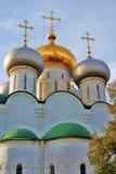 Iglesia vieja en el convento de Novodevichy en Moscú Foto de archivo