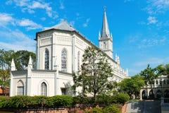 Iglesia vieja en estilo neoclásico imágenes de archivo libres de regalías