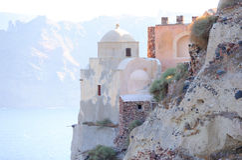 Iglesia vieja en la isla de Santorini Foto de archivo