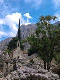 Iglesia vieja en las montañas foto de archivo libre de regalías