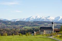 Iglesia Wallfahrtskirche en Wilparting en Baviera, Alemania La iglesia católica del peregrinaje Fotografía de archivo