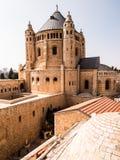 Iglesia y abadía de Dormition en el monte Sion en Jerusalén Foto de archivo