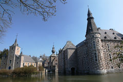 Iglesia y castillo fotografía de archivo