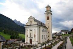 Iglesia y cementerio del Sesto Imagen de archivo libre de regalías