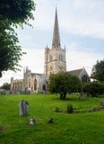 Iglesia y cementerio en Burford Imagenes de archivo