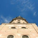 Iglesia y cielo viejos Foto de archivo libre de regalías
