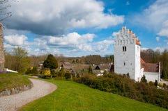 Iglesia y ciudad de Udby en Dinamarca Imagen de archivo libre de regalías