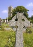 Iglesia y cruz Imagenes de archivo
