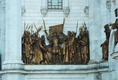 Iglesia y estatua Imagen de archivo libre de regalías