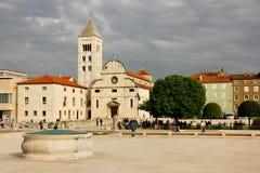 Iglesia y monasterio de St Mary Zadar Croacia Imágenes de archivo libres de regalías