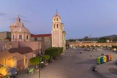 Iglesia y plaza Miguel Hidalgo en Tequisquiapan, Queretaro Imágenes de archivo libres de regalías