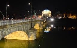 Iglesia y puente de Gran Madre en Turín Foto de archivo