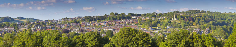 Iglesia y rural idílico, Cotswolds Reino Unido Imagen de archivo libre de regalías