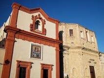 Iglesias en Gallipoli, Apulia, Italia Foto de archivo