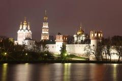 Iglesias ortodoxas rusas en monaster del convento de Novodevichy Foto de archivo