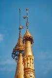 Iglicy dekoraci szczegóły Myanmar pagodowy Shwedagon w Yangon mieście Fotografia Stock