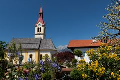 Igls村庄在因斯布鲁克,奥地利附近的 免版税图库摄影