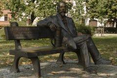 Ignacy Lukasiewicz sur le monument de banc images libres de droits