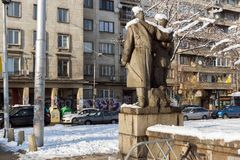 Ignatiev伯爵街道的走的人在索非亚,保加利亚 免版税库存照片