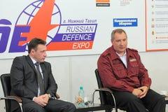 Igor Kholmanskikh und Dmitry Rogozin Lizenzfreie Stockfotografie