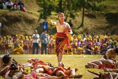 Igorot-Mädchen-Tanzen auf Blumen-Festival Lizenzfreie Stockfotos