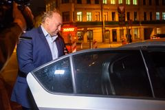 Igors Volkinsteins detuvo por la oficina KNAB de la prevención de la corrupción fotos de archivo