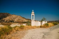 Igreja abandonada inundada de st Nicolas na área de Alassa imagens de stock royalty free