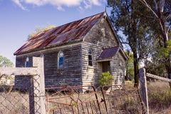 Igreja abandonada velha do país fotos de stock royalty free