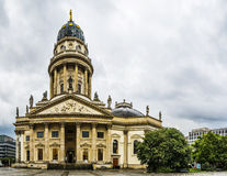 Igreja alemão de Neue Kirche em Berlim, Alemanha Foto de Stock Royalty Free