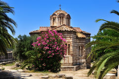 Igreja bizantina dos apóstolos santamente em Atenas no verão SU Imagens de Stock Royalty Free