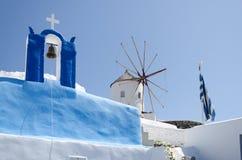 Igreja branca na ilha do santorini Imagem de Stock