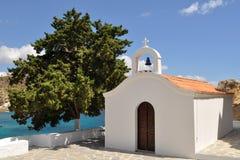 Igreja branca no console do Rodes fotografia de stock royalty free
