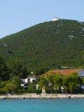 A igreja branca no monte das ISTs Imagens de Stock
