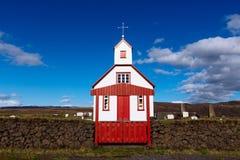Igreja Branco-vermelha, Islândia Foto de Stock Royalty Free