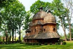 Igreja Católica grega ucraniana de madeira da mãe santamente do deus no Polônia fotografia de stock
